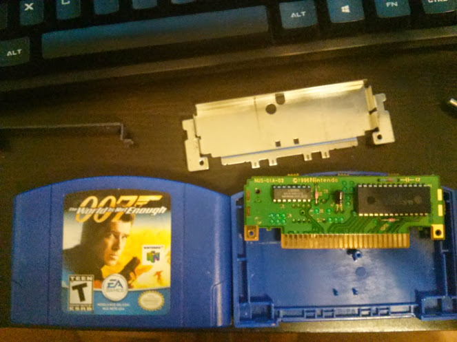 Notice how small the chip is compared to the shell of the cartridge.